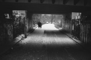 Walking couple. Winter 2016, Berlin Germany © Linus Ma. all rights reserved / www.linusma.com