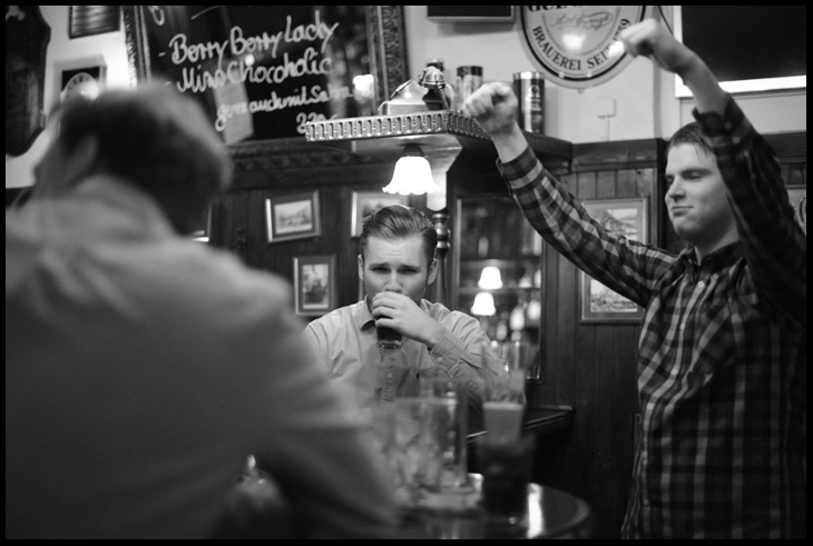 Irisch Pub Boys. Berlin, Germany 2011 © Linus Ma. all rights reserved